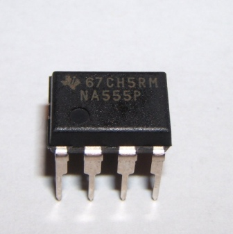 555 Timer IC 8 pin DIP Pack of 1
